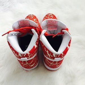 Nike Shoes - NIKE Supreme SB Raw Meat Challenge 313171-616 Sz 6